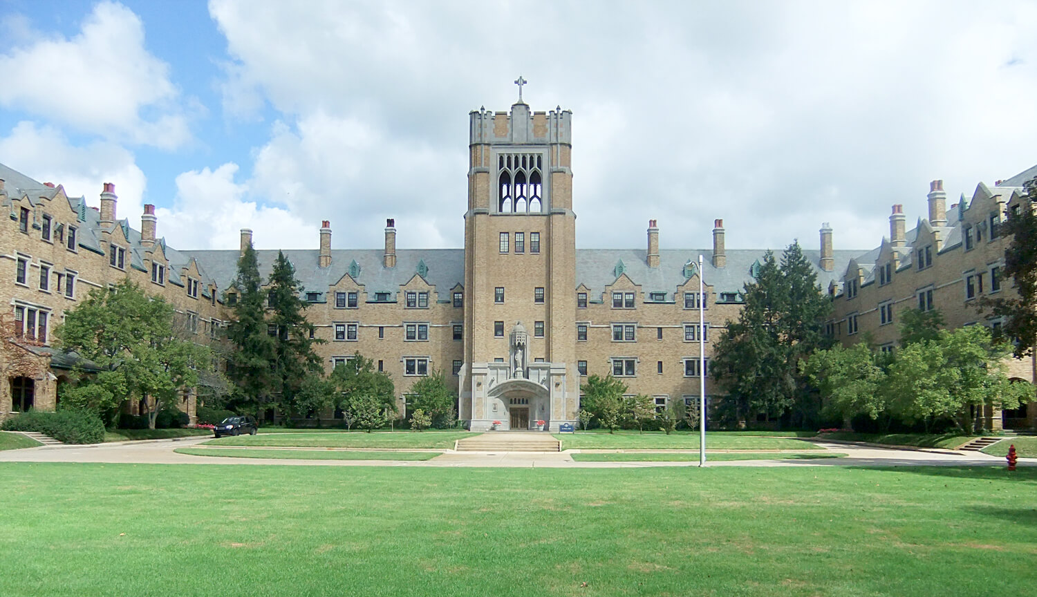 Saint-Mary-of-the-Woods-College-online-graduation-rates