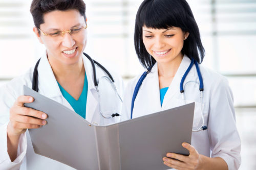 What is the Difference Between a Clinical Nurse Leader and a Clinical Nurse Specialist